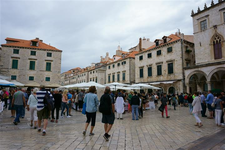 Dubrovnik main square