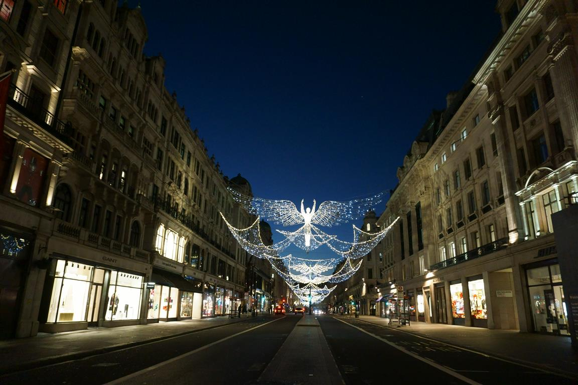 5 Reasons to experience Christmas in London